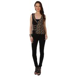 Ira-Soleil-Knitted-Viscose-Gold-Floral-Printed-Top