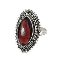 Pleasant Garnet Gemstone Silver Ring