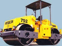 L & T 752 Hydraulic Vibration Motor Service