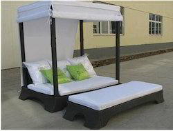 Poolside Bed poolside furniture - swimming poolside bed and lounger