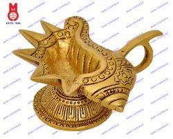 Shankh Design Oil Lamp
