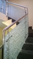 SS & Glass Hand Railing