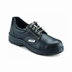 Udyogi Edge Lite Safety Shoes.