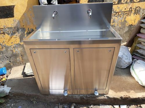 Surgical Scrub Sink - Operation Theater Scrub Sink Manufacturer from ...
