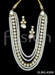 Antique Pearl Vilandi Kundan Necklace Set