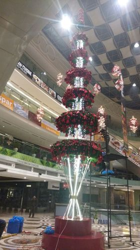 mall decoration service - Christmas Tree Decorating Service