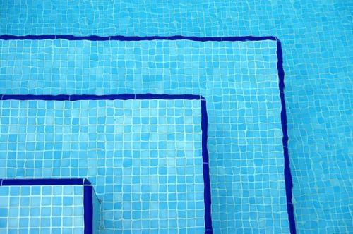 Swimming Pool Tiles - Pool Glass Mosaic Tiles Exporter from Noida
