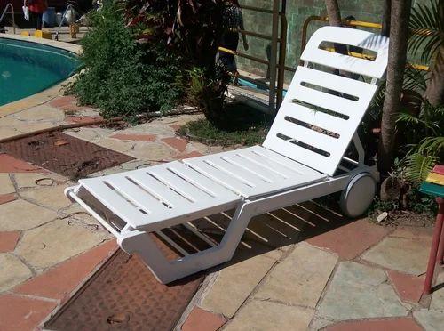 swimming pool lounger swimming pool loungers manufacturer from mumbai - Swimming Pool Deck Chairs