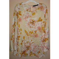 Ladies Floral Printed Top