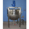 Double Jacketed Boiling Vessel with Stirring Arrangement