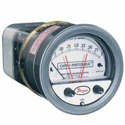 Series 43000 Capsu-Photohelic Pressure Switch Gage