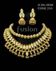 Beaded Kundan Necklace Set