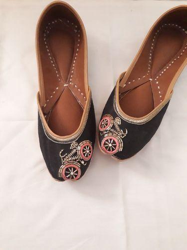 a4512439bc69 Latest Punjabi jutti Online - Women Khussa Shoes Manufacturer from ...