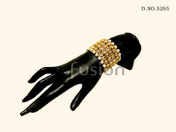 Antique Traditional Pearl Bracelet