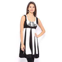 Ira Soleil Black & White Panelled Printed Viscose Knitted