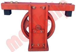 Hydraulic Pulley Assembly With Guide Shoe