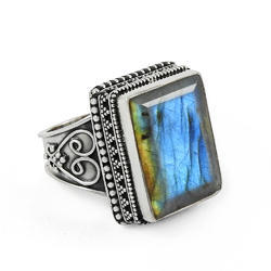 Tropical Glow 925 Sterling Silver Labradorite Ring