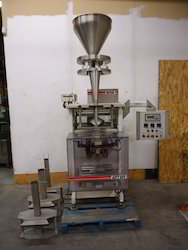 Vertical Band Sealer With Volumetric Cup Filler