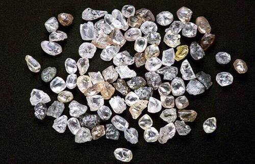 ring n video of worlds unadulterated carats huffpost diamond photo pure s largest bling first world