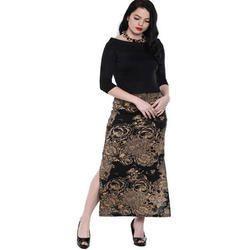Ira-Soleil-Black-All-Over-Printed-Long-Skirt