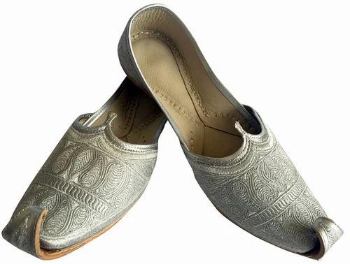 613042660e2475 Punjabi Jutti - Mens Silver Zari Punjabi Jutti Sherwani Jutti For ...