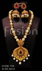 Antique Traditional Beaded Indian Pendant Set
