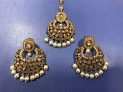 Mehandi Polish White Pearls Earring Tikka Set