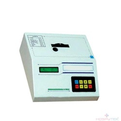 Lt 111 Labtronics , Microprocessor Photo Colorimeter.
