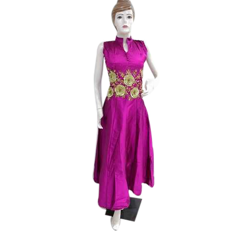 9ce9ad2563e Ladies Gowns - Ladies Silk Gown Manufacturer from New Delhi