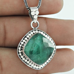 Shiny Emerald Gemstone 925 Silver Pendant