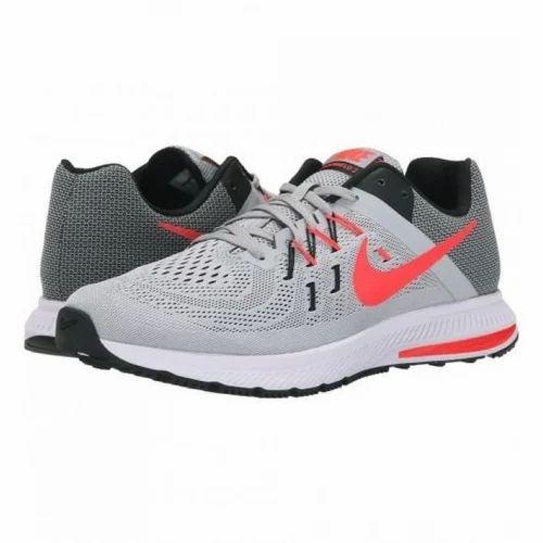 Grey Men Nike Zoom Winflo 4 Running