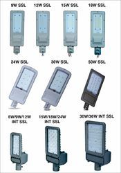 24 w (B) Solar LED Street Light