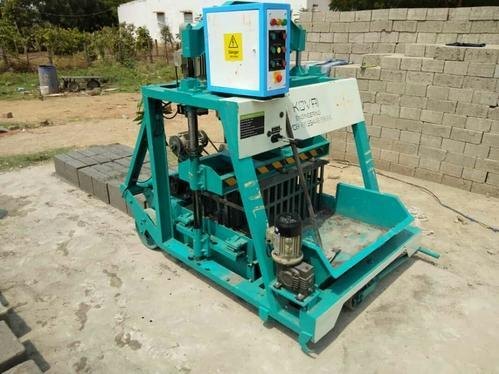 Manufacturer of Hollow,Solid,Concrete Block Making Machine