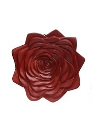 Attractive Rose Shaped Wall Hanging