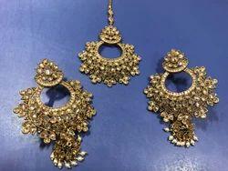 White Moti Mehandi Polish Earring Tikka Set