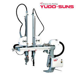 Yudo Three Plate Mold Swing Type Small Robot