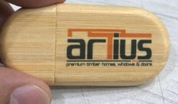Wooden 16gb USB Drive