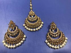 Mehandi Polish Moti Earring Tikka Set