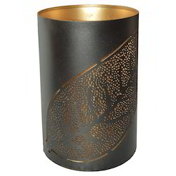 Iron Candle Holder With Leaf Design