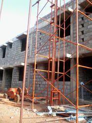 Builders Hoist