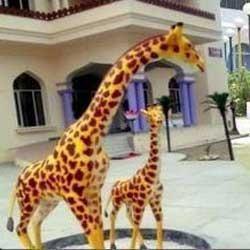 FRP Giraffe Statue