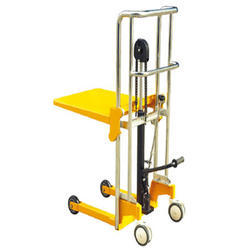 Portable manual hand stacker capacity 400kg