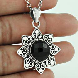 Scrumptious Design 925 Sterling Silver Pendant