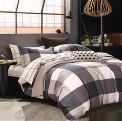 Checks And Strip Comforter Set