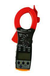 Digital Power Clamp Meter DT900