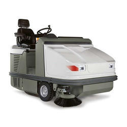 Industrial Ride On Sweeping Machine