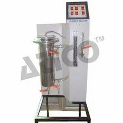 Annular UV Photo Reactor