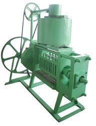 10 H.P. Single Chamber 6 Bolt Oil Expeller