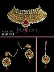 Traditional Kundan Choker Necklace Set