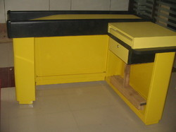 L Type Cash Counter